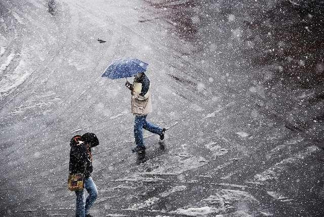 Milyen veszélyeket rejt az ónos eső télen?
